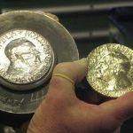 Naukowcy, kolekcjonerzy i złodzieje - w pogoni za Noblem