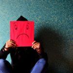 Emocjonalny teflon – ciemna strona nadmiernej kontroli
