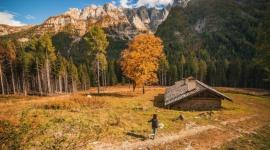 """Jesień możliwości w trydenckich Dolomitach Hobby,  - Jesień to idealny moment na połączenie aktywności pod gołym niebem z kosztowaniem regionalnych dań. We Trentino nie zabraknie okazji do podziwiania gór oraz odkrywania lokalnej kuchni dzięki wydłużonemu funkcjonowaniu schronisk i wyciągów oraz inicjatywie """"I Rifugi del Gusto""""."""